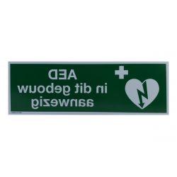 AED aanwezig sticker reverse 30x10