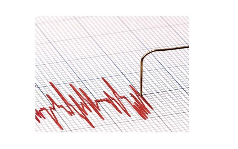 Hoe werkt de Asystolie drempelwaarde bij een AED